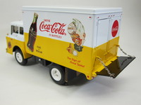 C-800 Delivery Truck  Ertl  H837  036881508373  1/25 2