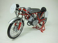 Honda CR110 CUB RACING 1962  EBBRO  4526175100032  1/10 2