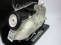 Vespa 150 VL 1T  New-Ray  4905083081778  1/6 2