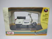 Vespa 125 Automatica(1984)  Maisto  4534253021032  1/18 3