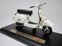 Vespa 125 Automatica(1984)  Maisto  4534253021032  1/18 1