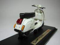Vespa 125 Automatica(1984)  Maisto  4534253021032  1/18 2