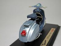 Vespa 150 Super(1965)  Maisto  4534253021032  1/18 2