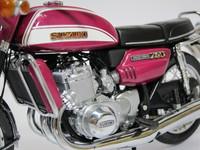 Suzuki GT 750 1973  MINICHAMPS  122162101  4012138079052  1/12 2