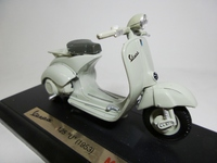 Vespa 125U(1953)  Maisto  090159395409  1/18 1