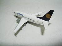 Lufthansa Boieng 737-500  herpa  505482  4013150505482  1/500 2
